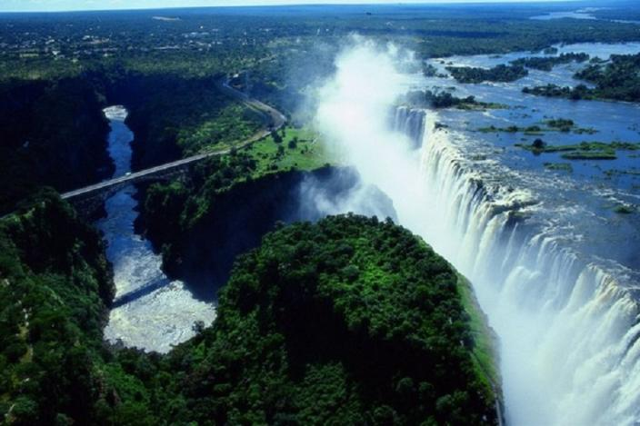 10 Biggest, Largest Waterfalls In The World